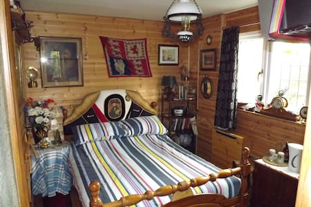 NELSONS CABIN, SELF CONTAINED B & B - North Creake