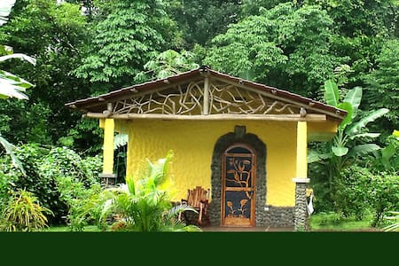 Rainforest Casita with Hot Springs - Srub