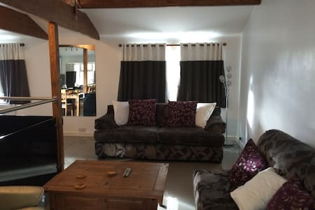 This is a brand new detached house - Dartford - Casa