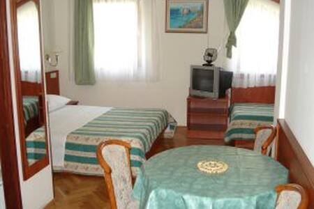 Apartment Mladina - Lokva Rogoznica