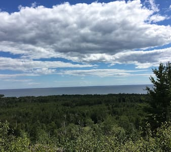 Penny's Peak with Panoramic Lake Superior Views - Kisház