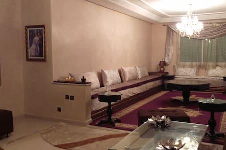 Appart meublé d'une surface  180 m2 - Wohnung
