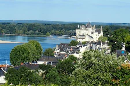 Un jardin suspendu sur la Loire . - Hus