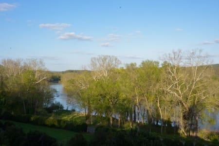 Middleburg and Shenandoah River area - House
