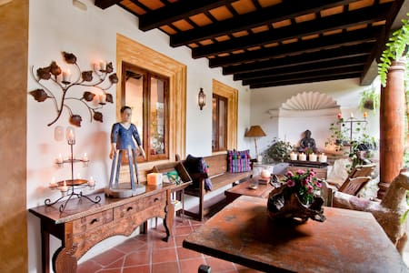 Casa Colibri - Beautiful House - Antigua Guatemala