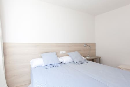 Bedroom w/ private Living & Bathroom - SOLLER - Apartment