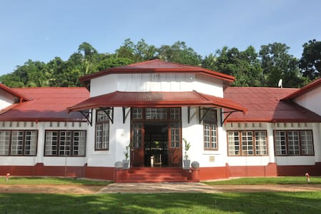 Ambanpitiya Bungalow (Entire) - Galigamuwa Town