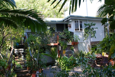 Tropical Hideaway  - Belgian Gardens - House