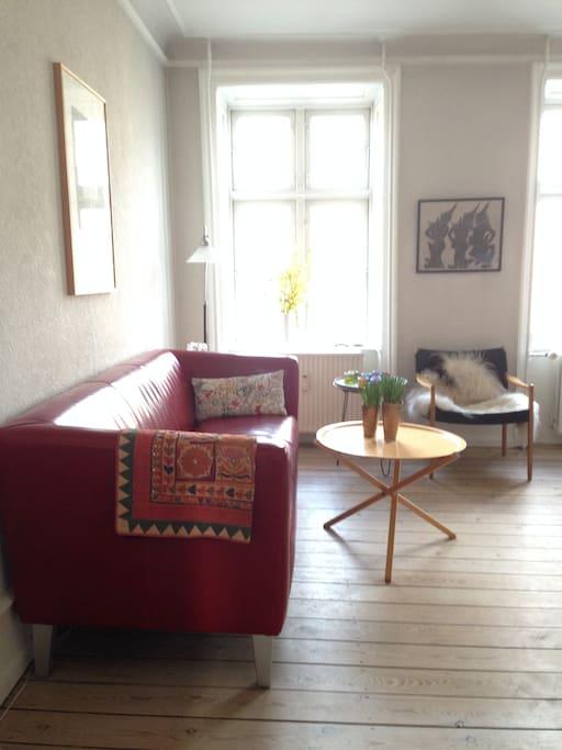 Livingroom, sofa area.