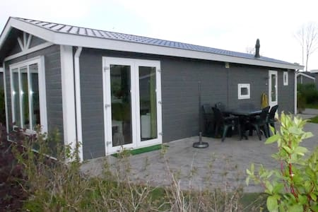 Chalet 109/6 p.from € 85,00 p.night - Velsen-Zuid - Chalet