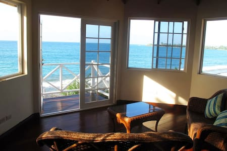 Holiday Home w/the Caribbean Sea on its Doorstep! - Black Rock