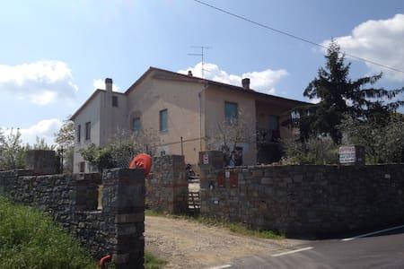 B.M.G.lejligheder i Landhus Toscana - Lejlighed