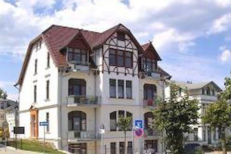 Villa Medici Ahlbeck 2 Zimm. FeWo   - Flat