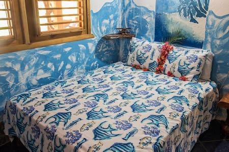 Chalet Tropical B&B blue double #4 - Bed & Breakfast