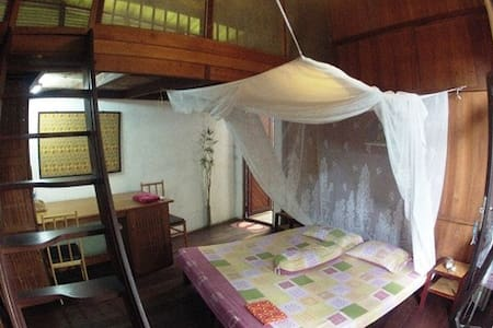 """Standard Room with fan, private / or shared Bathroom, garden access and all comfort like meeting room, office, BBQ, pool in a very natural environment. The only """"Bali-like-place"""" in Palangka Raya. We still have birds and butterflys around us..."""
