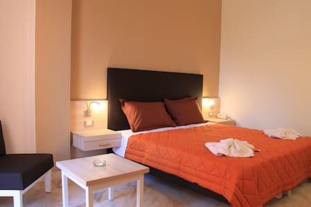 Hotel elotia - αγιοι αποστολοι - Bed & Breakfast