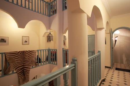 Riad de Charme calme et lumineux - Townhouse