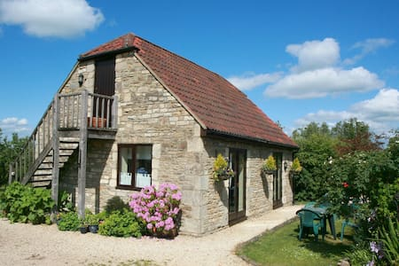 Idyllic rural barn  B&B near Bath - CORSHAM