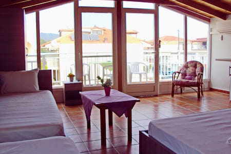 Room for 4 with sea view - Loft-asunto