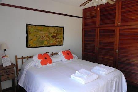 Great double room/private balcony!! - Punta del Este