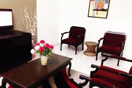 Malacca Muslim Family Homestay - Melaka - House