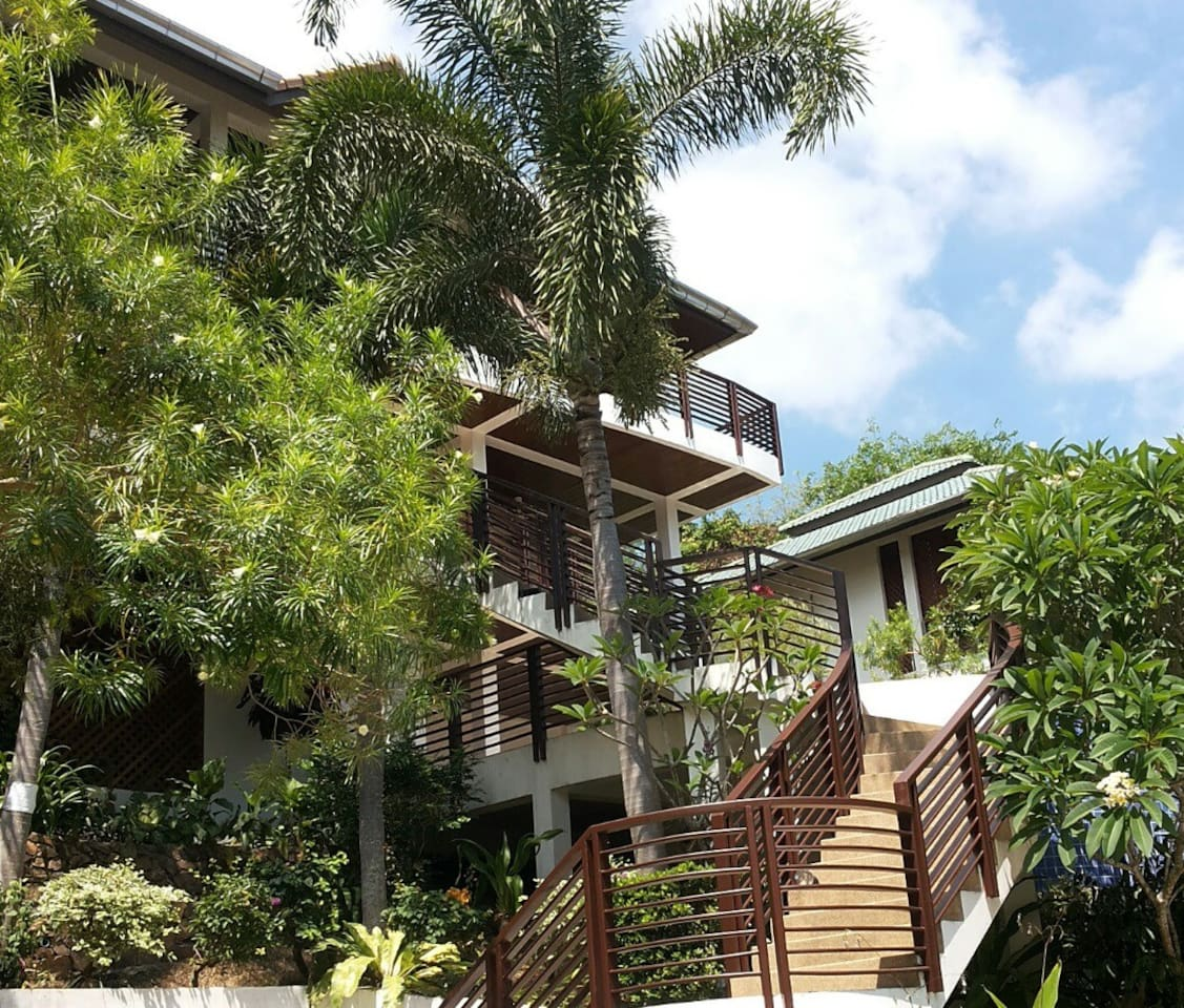 Baan Faan- views 2bed walk to beach