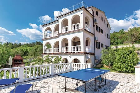 Traumhafte Villa Apartments - Klenovica - Villa