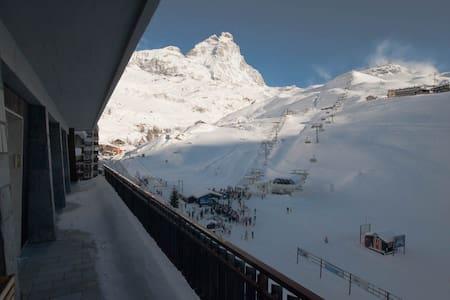 Cervinia penthouse on the slopes - Cervinia - Appartement