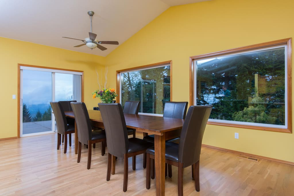 The dinner table can seat up to 12 people comfortably!
