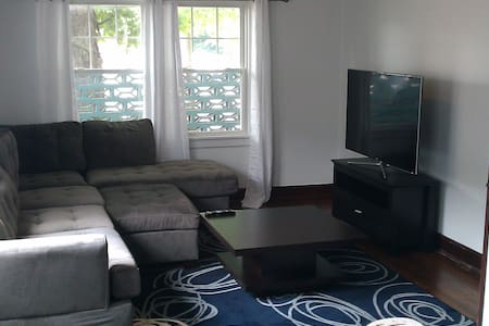 Stylish & Modern First Floor Apt - Warren - Wohnung