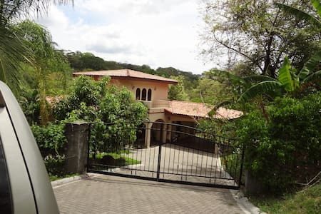 3 bdrm in Playa Panama/Hermosa area - Playa Hermosa/Playa Panama - House