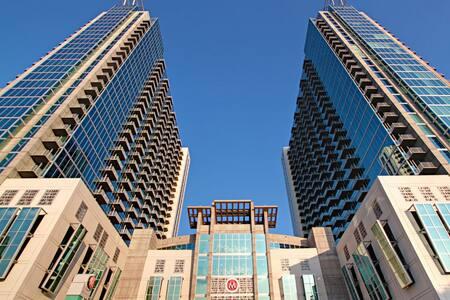 Luxury 14th Floor Overlooking Park