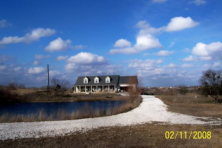 Sleeps 6 & 30 Minutes from SXSW - Huis
