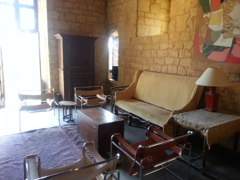 Le salon du Donjon.