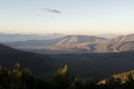 Suite in Delphi! Spectacular view!