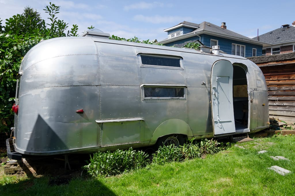 The airstream is a great extra bedroom sleeping space that comes with the Topbunk.