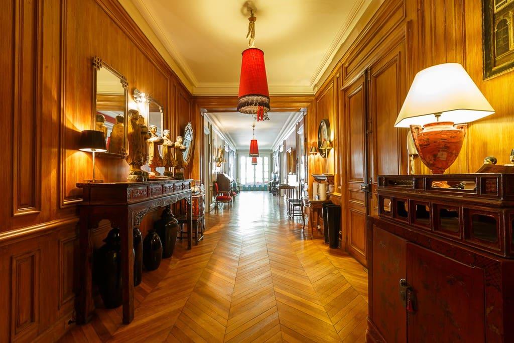 Gallery room.