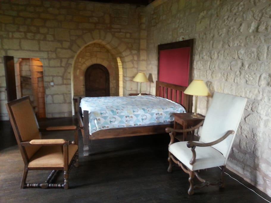 La chambre double du Donjon.
