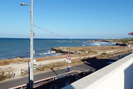 Appartamento in villa con terrazza sul mare - Torre Specchia Ruggeri - Villa