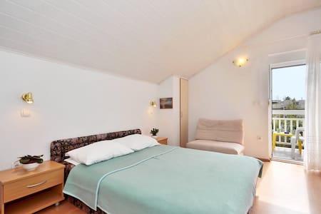 Apartmani Tomasović Ante 3 - Apartment