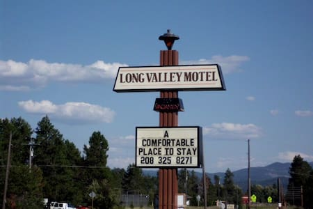Long Valley Motel - Castle