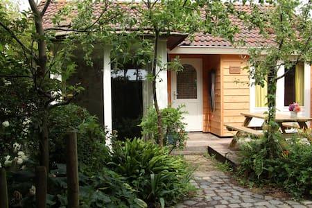 vakantiehuisje op prachtige locatie - Kisház