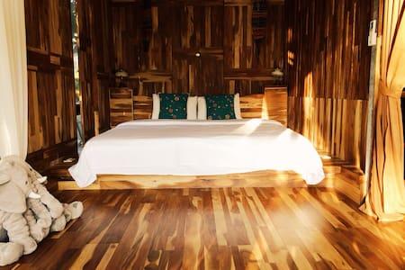 Sun Moon Lake Secret Garden Villa #1 - Villa