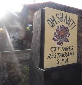 Om Shanti Private Cottage Amed Bali - Bed & Breakfast