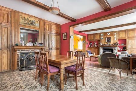 Grande maison familiale proche Lille-Lens - Camphin-en-Carembault - Ev