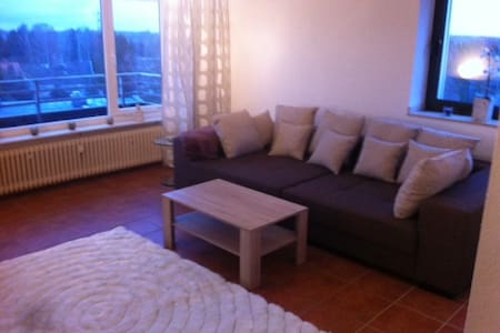 Ruhige Wohnung mit Penthouse Charakter - Flat