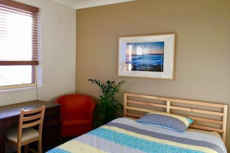 Room in charming house at Maroubra beach - Maroubra