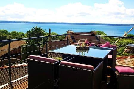Chambre privée à 150 mètres de la mer - Huis