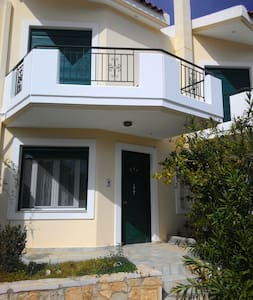 Near the sea only 80.0 meters - - Rumah