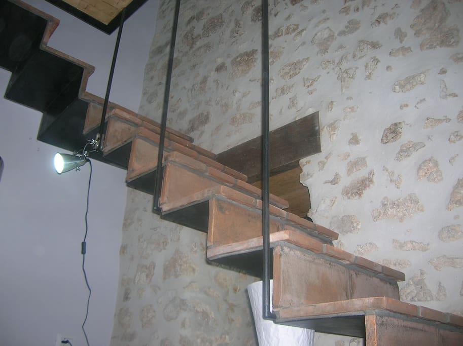 Scaletta di accesso al piano superiore